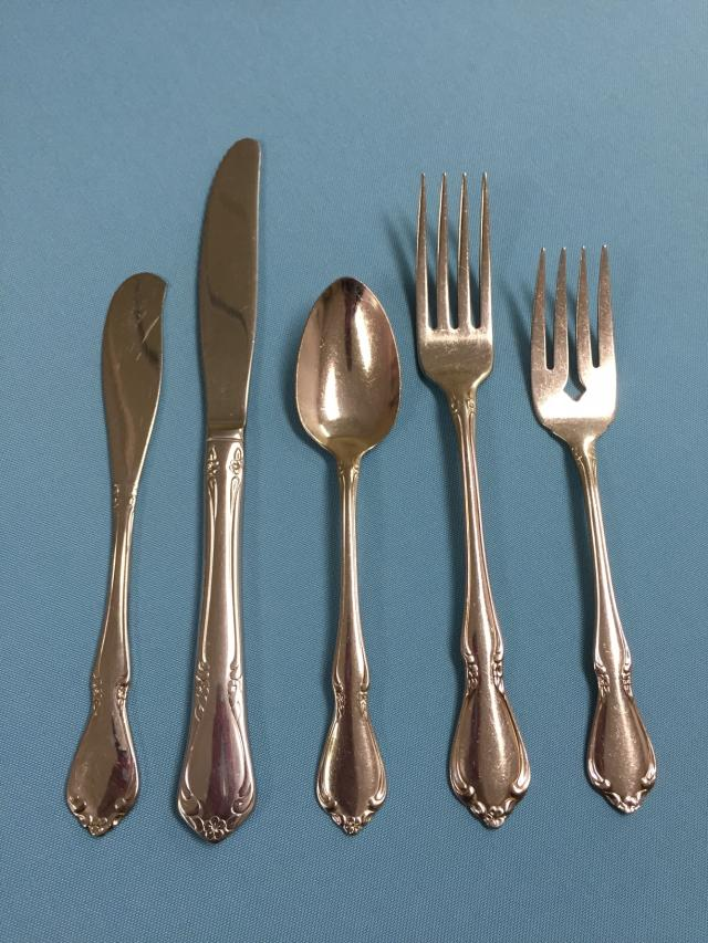 Where to find Chateau Flatware in Lansing